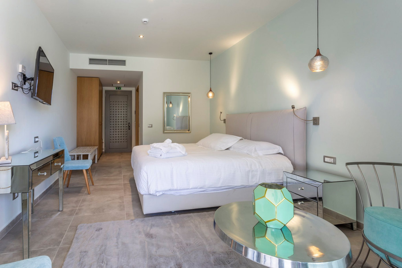 Elysian luxury hotel and spa Kalamata Junior suite bedroom