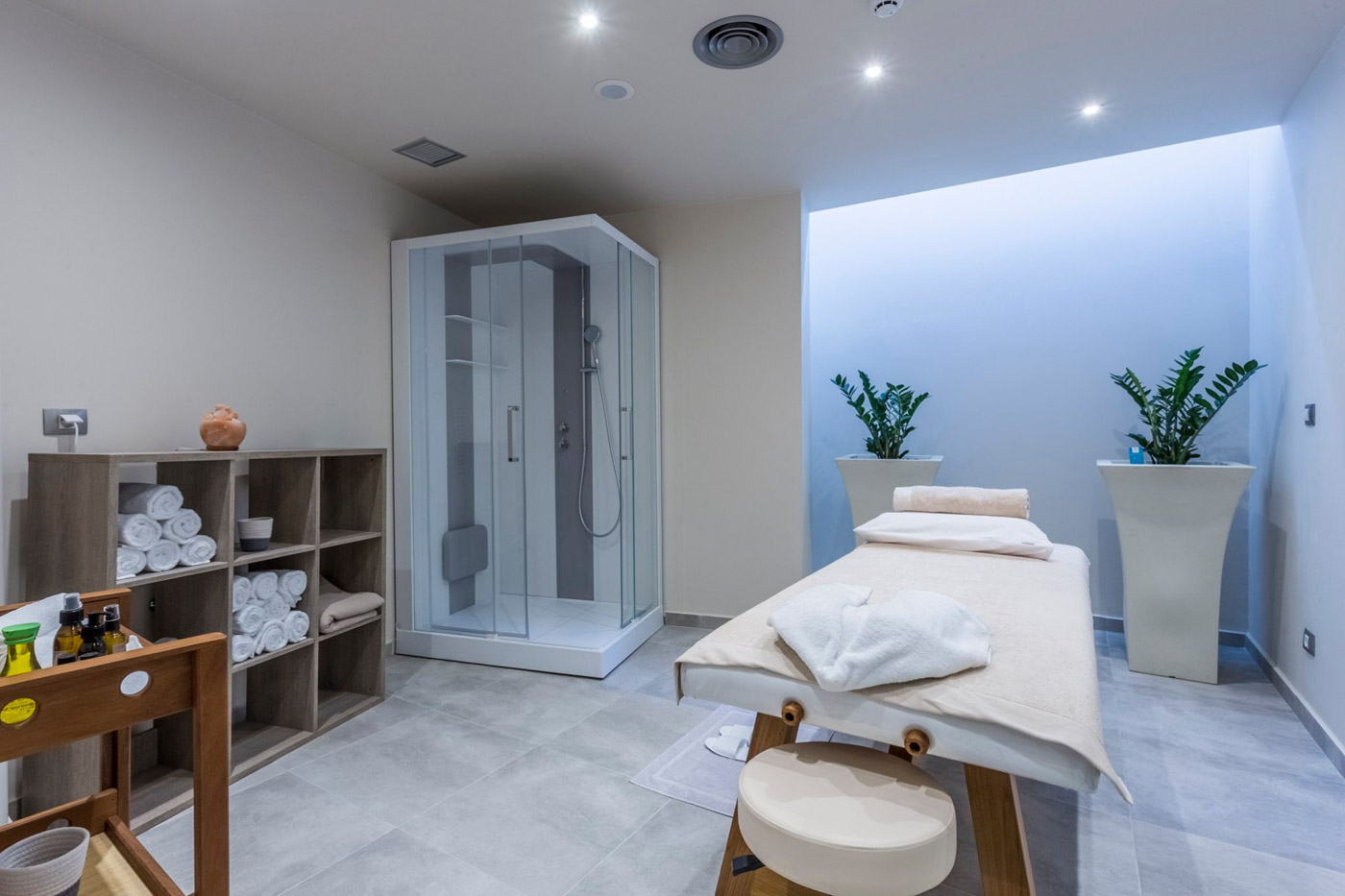 Elysian luxury hotel and spa Kalamata massage facilities