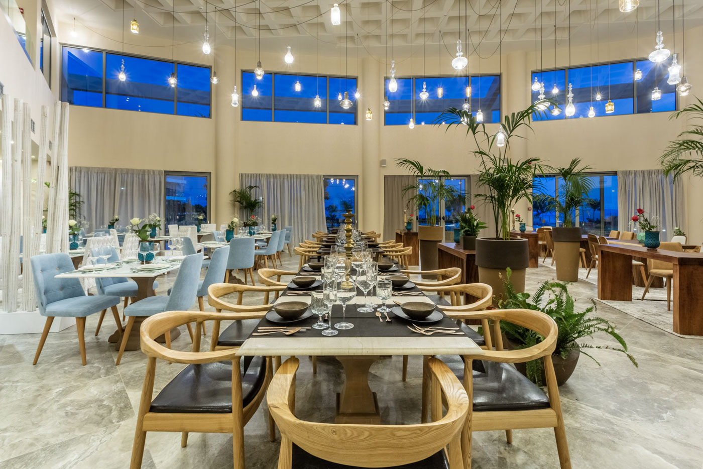 Elysian luxury hotel and spa Kalamata restaurant table